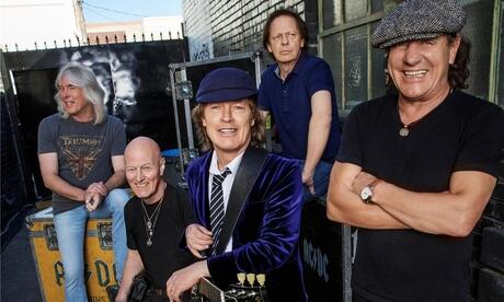 "Angus Young, Brian Johnson, Cliff Williams, Chris Slade und Stevie Young sind mit ""Rock or Bust World Tour"" auch in Deutschland zu sehen."