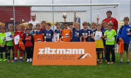 chams f jugend gewinnt zitzmann kids cup sport aus cham mittelbayerische. Black Bedroom Furniture Sets. Home Design Ideas