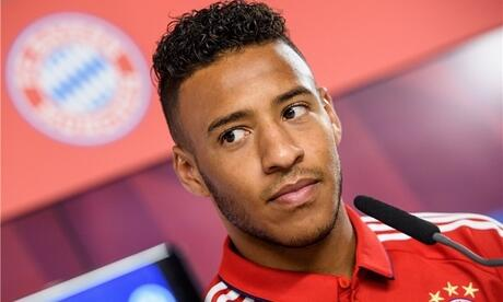 Bayern Munich's French midfielder Corentin Tolisso celebrates after scoring a goal during the UEFA Champions League Group B football match between Anderlecht and Bayern Munich at Constant Vanden Stock Stadium in Brussels on November 22, 2017. / AFP PHOTO / JOHN THYS