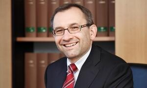 Dr. Andreas Stangl