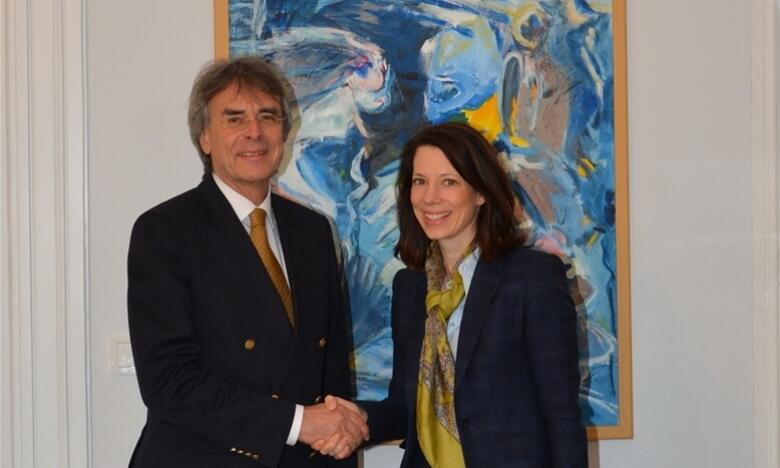 Government President Axel Bartelt and Consul General Meghan Gregonis in the Government of the Upper Palatinate Photo: Government of the Upper Palatinate / Stühlinger