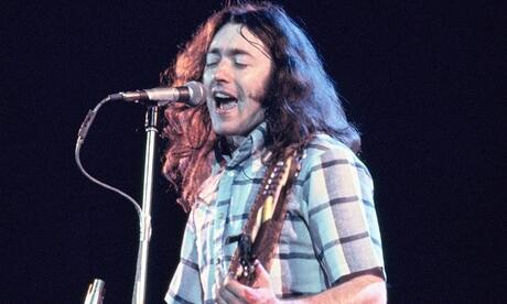 Rory Gallagher 1977 im Hammersmith Odeon in London Foto: Noble PR